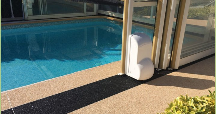 La décoration extérieure - Resimarmo autour d'une piscine près de Nice - décoration extérieure
