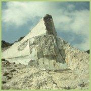 Une des nombreuses carrières de marbre