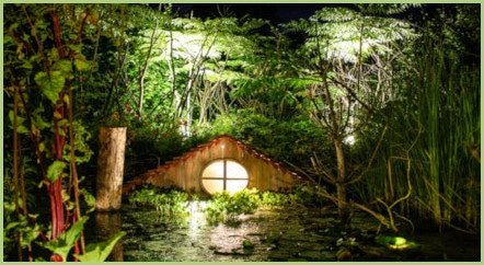 Un jardin éclairé - tableau de verdure