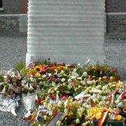 Monument dédié aux victimes de bois du cazier