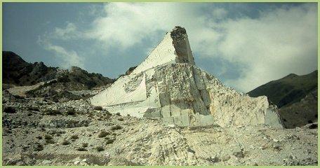 Une des nombreuses carrières de marbre en Italie