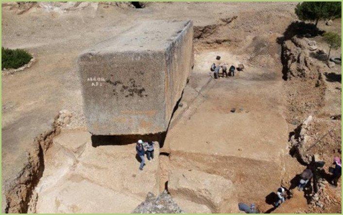 Le plus grand bloc de pierre de taille datant de plus de 2000 ans