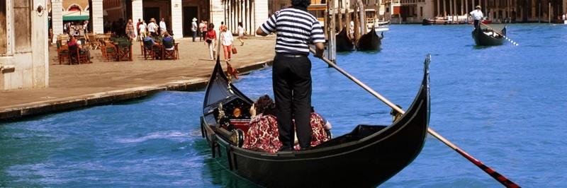 Le romantisme des gondoles à Venise