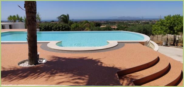 Une terrasse en granulat de marbre - Italie