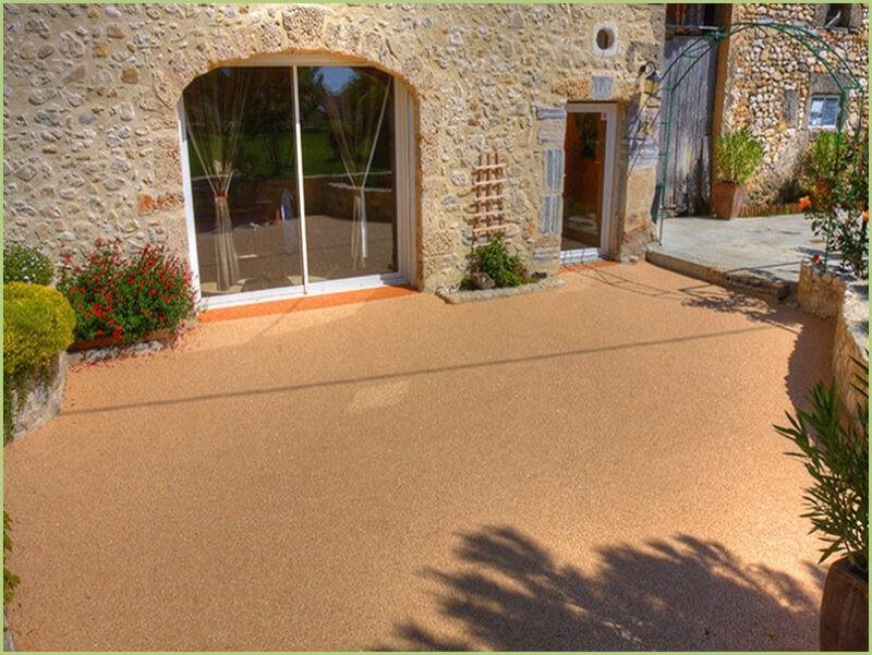Terrasse provencale resine marbre rosso verona