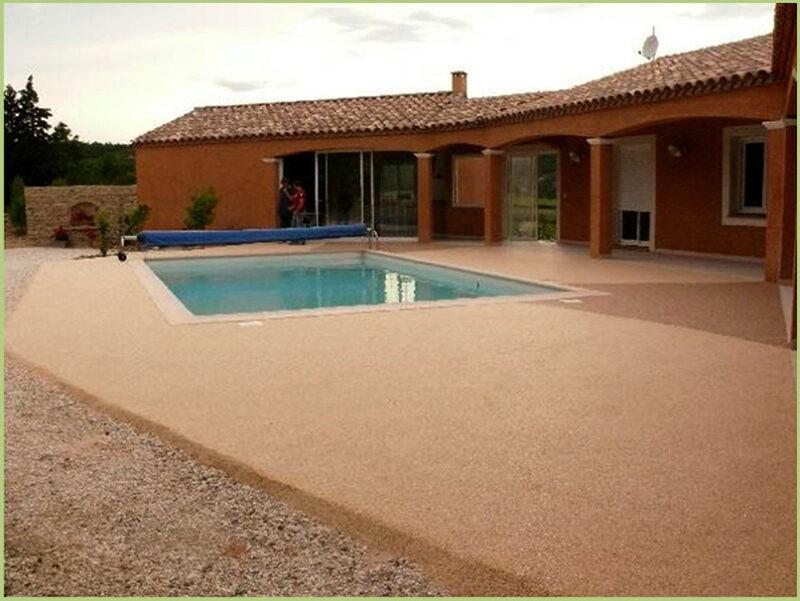 Terrasse et plages de piscine rosso verona