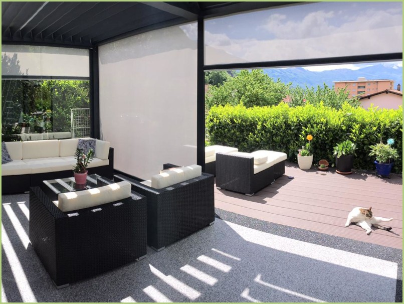 Terrasse intérieur avec motif périphérique
