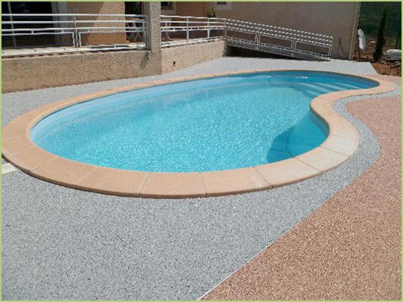 Contours de piscine bardiglio light naturale et brescia pernice